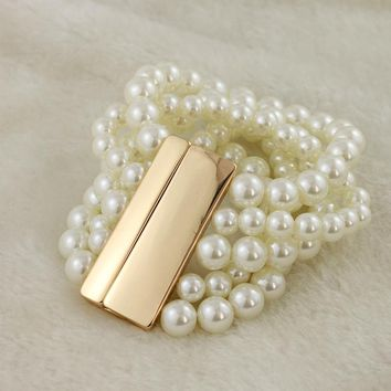 Korean version of 5 white pearl bracelet shiny alloy polished magnet clip bracelet exaggerated fairy jewelry new LL