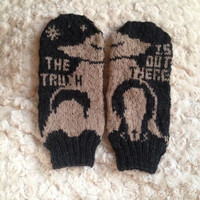 X-Files Knit Mittens: The Truth is Out There
