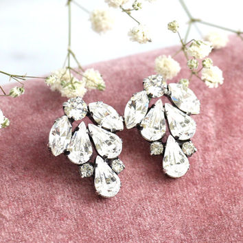 Bridal earrings, Bridal Cluster earrings,Bridal Silver Earrings, Swarovski Bridal earrings, White Crystal Vintage Earrings, Gift for her
