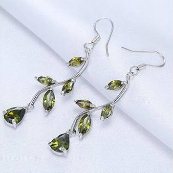 silver plated high quality, set with olivine crystal earrings