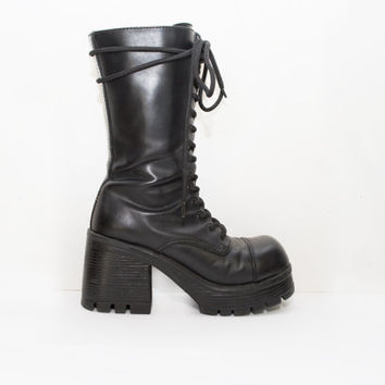 Black Lace up Platform Creeper Ankle Boots / military / Chunky Heel / Platform Ankle Boots // Lace up // Platforms Chunky Heel Size 7 7.5