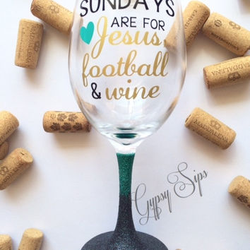 Sundays are for Jesus, Football & Wine // Glitter Dipped Wine Glass