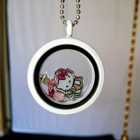 Tophatter : Hello Kitty White Living Glass Locket and Chain