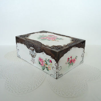 Hand painted white jewelry box, Shabby-chic white box, distressed jewelry box, storage, antique box, trinket box with rose, copper and white