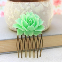 Pastel Green Rose Comb Flower Hair Comb Modern Bridal Floral Comb Wedding Hair Accessories Spring Green Bridesmaids Gift