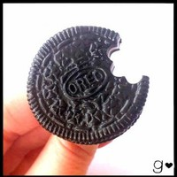 Oreo Inspired Ring - Realistic Food Miniature Jewelry - Handmdade Sweet Cookie Polymer Clay Ring - Cute Mini Bisquit Kawaii Gift
