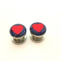 Black glitter heart plugs / 0g, 00g, 1/2, 9/16 inch / iridescent gauges / heart jewelry / sparkle plugs / heart gauges / iridescent jewelry
