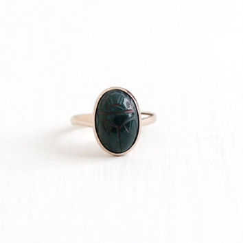 Vintage 14k Rosy Yellow Rolled Gold Plate Carved Bloodstone Scarab Ring - 1940s Size 6 Oval Beetle Gem Egyptian Revival Signed Uncas Jewelry