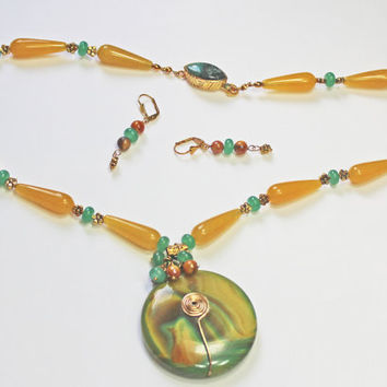 Green Yellow Agate Pendant, Yellow Green Jade Beads, Natural Gems, Gem Clasp, Statement Necklace, Wire Wrapped Pendant, Earrings Gift