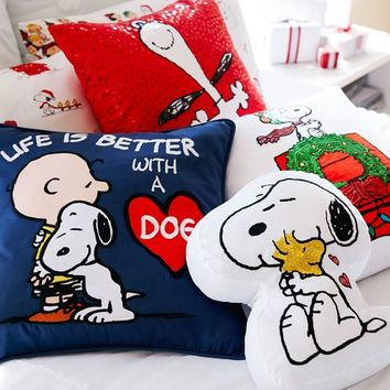 PEANUTS™ SNOOPY PILLOW COVER