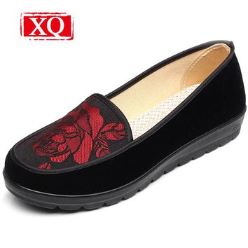XQ Spring&Wutumn New Women' Shoes Fashion Embroidered Shoes Black Casual Cloth Shoes Non-slip Flats Over size Single Loafer 8356