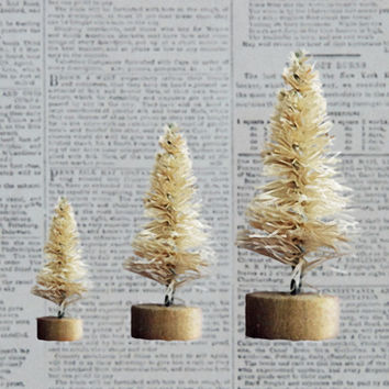 Set of 6 Vintage Style Bottle Brush Trees 2 Each of 3 Sizes in Natural Color for Christmas Holiday Crafts