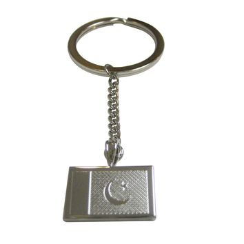 Silver Toned Etched Pakistan Flag Pendant Keychain