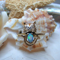 10k Yellow Gold Diamond and Opal Kitty Cat Ring 1.8g Size 6.75