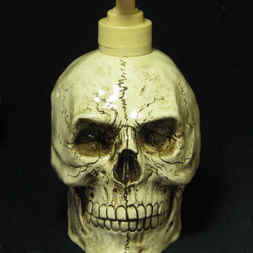 Creepy Aged Human Skull Soap Lotion Pump Dispenser Horror Halloween Decoration