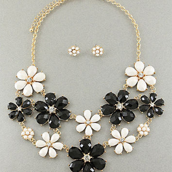 Floral Necklace - Flower Necklace  - Black and White Necklace -  White and Black Necklace - Chunky Floral Necklace - Statement Necklace