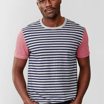 Gap Men Essential Shoulder Stripe T Shirt