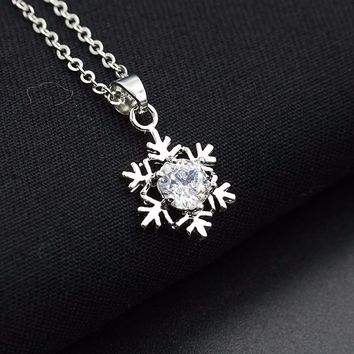 Women Snowflake Pendant Necklace