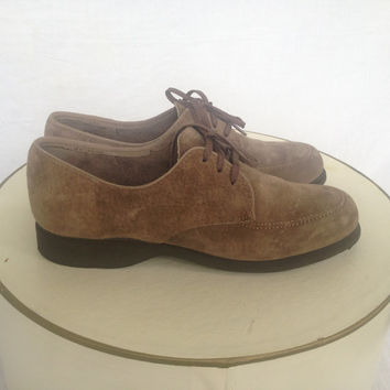 Vintage 70s Oxford Hush Puppies Light Brown Suede Size 5.5. M