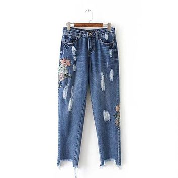 Chen 60-713 European and American fashion wind flower embroidered jeans 0411