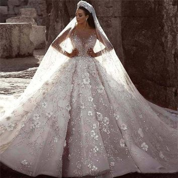 Glamorous Luxury Dubai New Fashion Lace Ball Gowns Bride Dress Long Sleeves 3D Flowers Beading Bridal Wedding Dress Gowns
