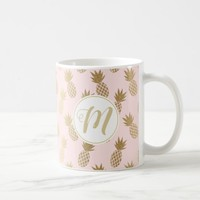 Gold Pineapple Pattern & Monogram Coffee Mug