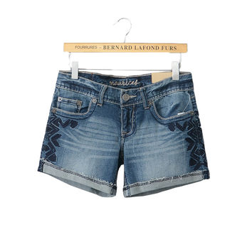US exports original single 2017 summer new large size women curling washed embroidery Slim denim shorts fashion