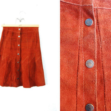 Vintage 1960s SUEDE Leather Brown Butoon up Skirt / High waisted / Retro / Boho / Mod / Snaps