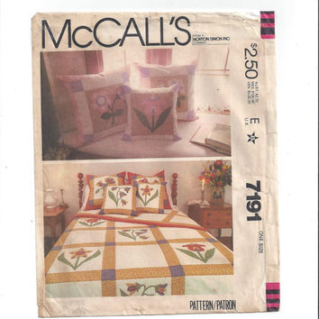 McCall's 7191 Pattern for Appliqued  Patchwork Quilt, Pillow Covers, FACTORY FOLDED, UNCUT, Twin, Full, Queen, Vintage Pattern, Home Sewing