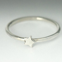 Star Stackable Silver Ring - Dainty Star Ring