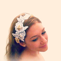 White Lace Hairband for a Bohemian Bride, Boho Wedding Hair Accessories, White Lacey Hair Piece, White Floral Embroidered Tie-on Hairband