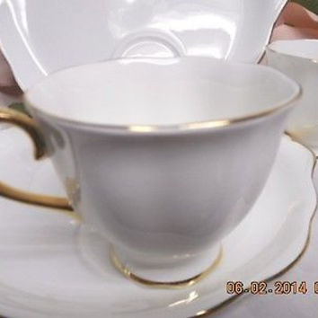 Royal Albert England China dinnerware Pattern  Val D'Or  white bone 1 snack set