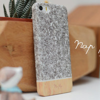 Apple iphone case for iphone iphone 5 iphone 5s iphone 5c iphone 4 iphone 4s iPhone 3Gs : black and white flowers with wood(not real wood)