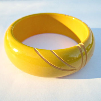 Vintage Carved Bakelite Bangle Designer Signed Mustard Yellow Super Nice Bangle Bracelet 409 Tested Positive Hallmarked Inside