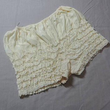 1980s Vintage Square Dance Lace Ruffle Lady's Bloomers or Panties in Butter Yellow, Size Medium, Vintage Square Dance Costume Dress, Can Can