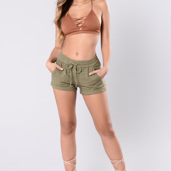 Relaxin' Shorts - Olive