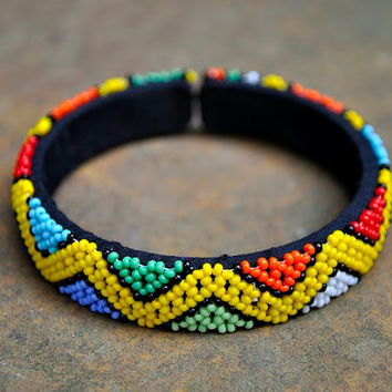 Beaded cuff bangle,cuff bracelet,Beaded bracelet,zigzag pattern,African jewellery,Tribal bangle,African accessories,African beadwork