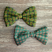 Two Vintage Mens Bow Ties, Mid Century Retro Silk Neckties, Preppy, Rockabilly, Clip On, Gift for Him, Green Blue Black Paisley Ties Ormond