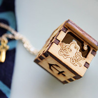 Underwater Locket - Octopus, Clownfish, Starfish, Seahorse, Anchor  Wooden Treasure Chest Necklace