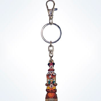 Disney Parks Mickey & Friends Totem Wilderness Lodge Keychain New with Tags