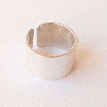 Adjustable  hammered ring  , sterling silver ring , handmade silver ring , Wide band ring ,Unisex ring ,Metalwork jewelry , mens ring
