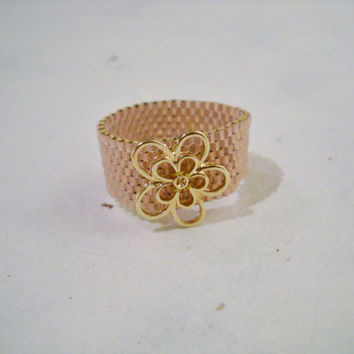 Delica Beaded Ring with Flower, Miyuki Delica, Peyote Ring, Seed Bead Ring, Glass Beads, Flower Ring, Band Ring, Beaded Ring, Beaded Flower