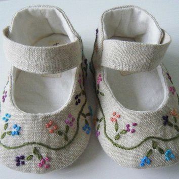 Organic Baby Shoes, Mary Jane, Hemp Linen, Hand Embroidered,Baby Girl Shoes, Bobka Shoes by BobkaBaby