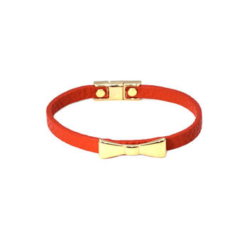 Golden Red Bow Wrap