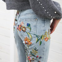 Floral Embroidered Light Wash Jeans