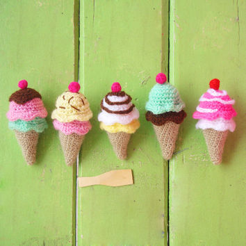 Crochet Tiny Pattern Ice Cream amigurumi PDF - sweet kawaii - beginner tutorial - rattle, toy or mobile baby crochet  - Instant DOWNLOAD