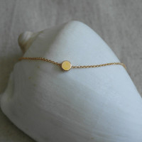Delicate simple everyday circle gold necklace