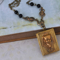 THE GOLDEN PHARAOH Egypt King brass locket necklace