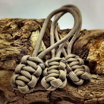 Zipper Pull in Tan Paracord 3