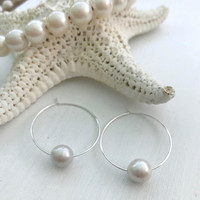 Pearl earrings, freshwater pearls, gift for mom, pearl hoop earrings, bridal jewelry, minimalist, bridesmaid gift, pearl earrings
